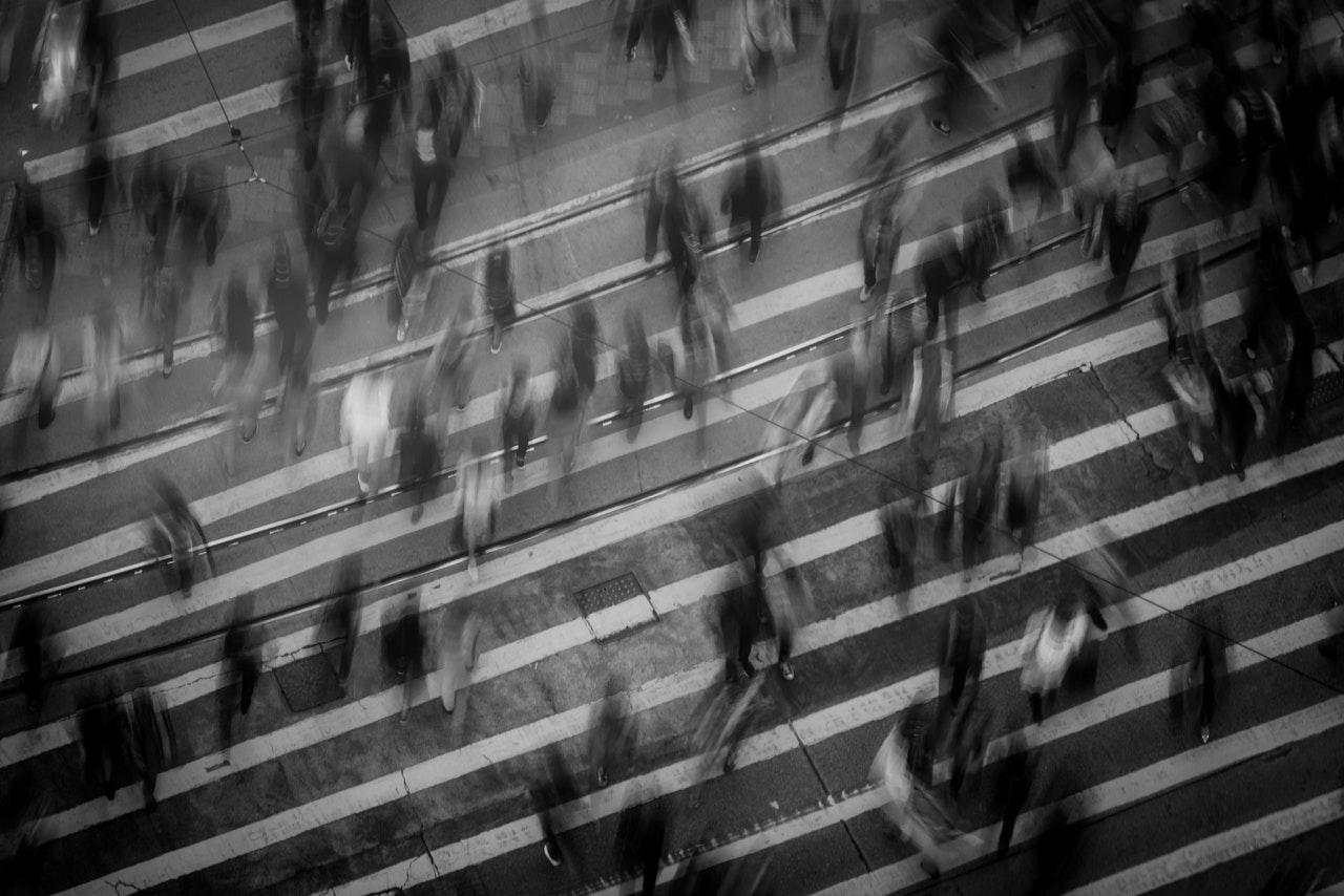 black-and-white-city-crosswalk-842339_0.jpg